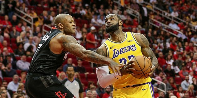 "Lakers'ta çifte ""triple double"""