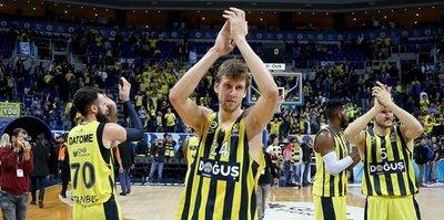 Fenerbahçe, Barcelona'ya konuk oluyor