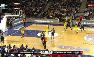 Darüşşafaka Tekfen - Fenerbahçe Beko maçında gerginlik