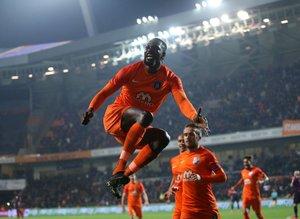 Adebayor'un kariyeri! Hangi takımda kaç gol attı?