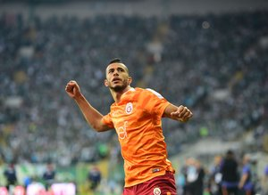 Galatasaray'ın yıldızı Younes Belhanda'ya Borussia Dortmund talip!