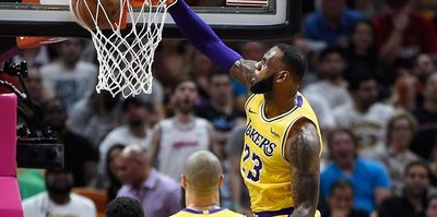 Lakers playoff chances slim after loss to Clippers