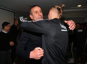 Abdullah Avcı Beşiktaş'ta oyuncularla vedalaştı!