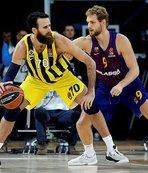 Deplasmanda Barcelona'yı yenen Fenerbahçe liderliğe yükseldi