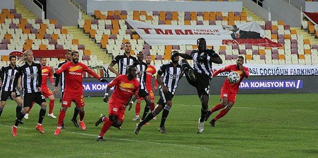 Yeni Malatyaspor-Beşiktaş maçında Sergen Yalçın'dan Necip Uysal'a imalı uyarı!