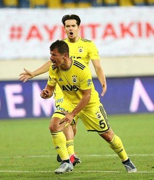 Emre Belözoğlu Süper Lig'de dört farklı onyılda gol atan ilk futbolcu oldu!