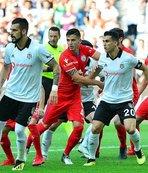 Beşiktaş hazırlık maçında Altınordu'yu mağlup etti