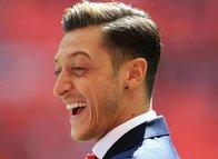 Mesut Özil transferinde flaş gelişme! Bir adım daha yaklaştı...
