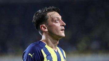 Bomba iddia! Mesut Özil Premier Lig'e mi dönüyor?