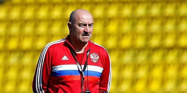 """Rusya Milli Futbol Takımı Teknik Direktörü Stanislav Cherchesov: """"Lucescu'nun nasıl oynayacağını çok iyi biliyoruz"""""""