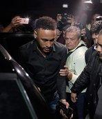 Neymar karakolda ifade vermeye böyle geldi!