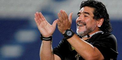 """Maradona kulübede """"10 numara"""" olamıyor"""