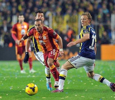 Galatasaray Fener'i solladı