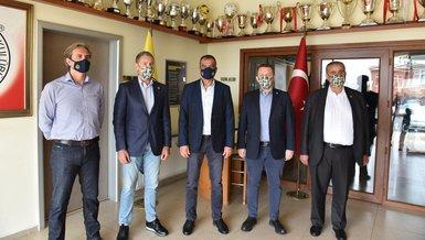Fenerbahçe Futbol Akademi'de devir teslim töreni yapıldı