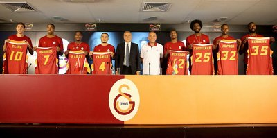 Galatasaraylı yönetici görevi bıraktı