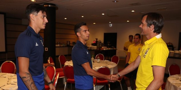 Fenerbahçe'nin yeni transferleri kampa katıldı