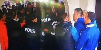 Erzurum'da olay var! Eski hocasına saldırdı