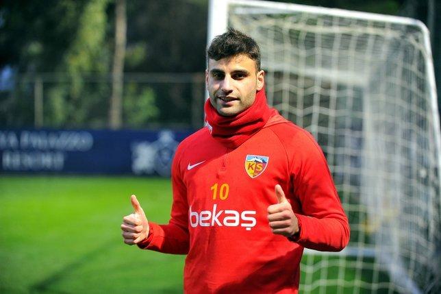 Fenerbahçede gündeme gelen son isim Kayserispordan Deniz Türüç