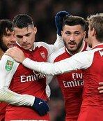 Arsenal, Chelsea'yi devirdi, finale yükseldi