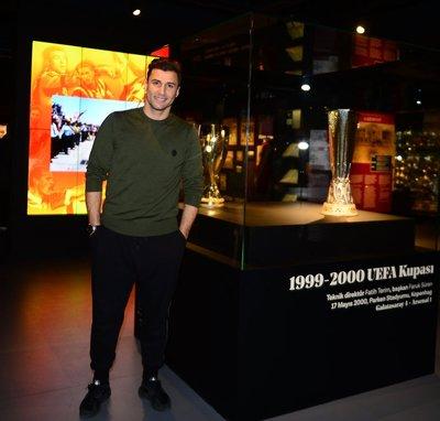 Lorik Cana, Galatasaray Stadyum Müzesini gezdi
