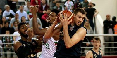 Karşıyaka'da kazanan Fenerbahçe