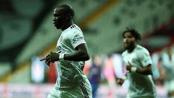 Aboubakar dönüyor