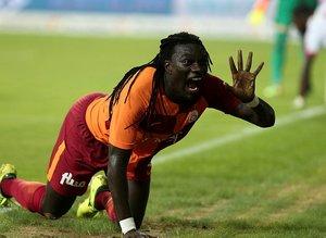 Galatasaray'da Emre Akbaba transferine Bafetimbi Gomis engeli!