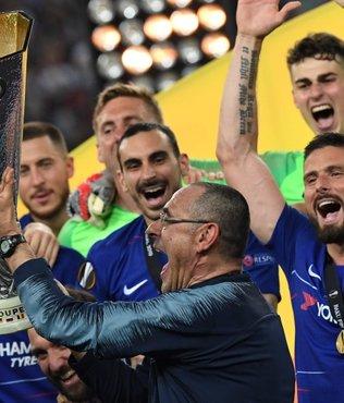 Sarri resmen Juventus'ta