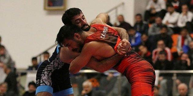 Büyükler Serbest Güreş Şampiyonası'nda finalistler belli oldu