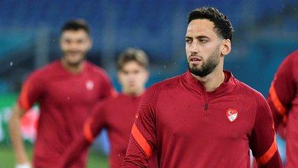 Son dakika transfer haberi: Hakan Çalhanoğlu Al Duhail'in 8 milyon euro'luk teklifini reddetti!