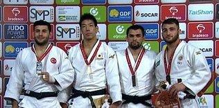 Milli judocu VedatAlbayrak'tangümüş madalya