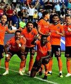 Medipol Başakşehir'den Antalyaspor'a 4 gol!