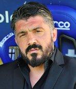 Napoli'de Ancelotti gitti Gattuso geldi