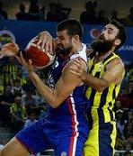 Anadolu Efes Fenerbahçe'yi devirdi!