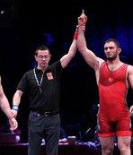 Avrupa şampiyonu milli güreşçi yurda döndü