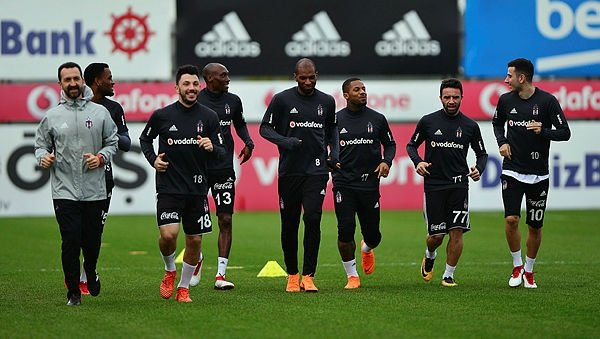Beşiktaş antrenmanında Aras Bulut İynemli sürprizi