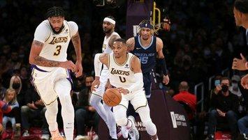 Lakers galibiyetle tanıştı!