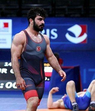 Milli güreşçi dünya şampiyonu oldu