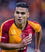 Galatasaray'da Falcao sevinci! Resmi siteden...