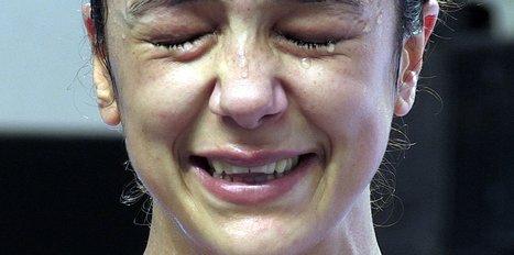 Dünya şampiyonu oldu gözyaşlarına hakim olamadı!