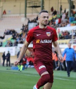 Zoran Kvrzic ilk maçında kırmızı kart gördü