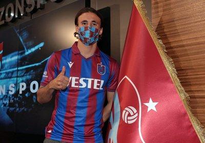 trabzonspordan govde gosterisi 4 imza birden 1597682144264 - Trabzonspor'dan gövde gösterisi! 4 imza birden