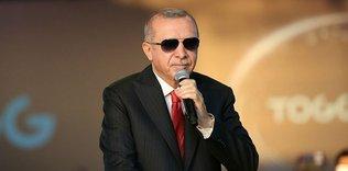 baskan erdogandan sampiyon basaksehire tebrik 1595191139844 - Bilal Erdoğan Başakşehir'in şampiyonluğunu sahada kutladı!