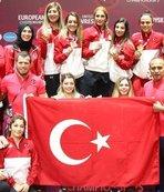 Kadın güreşçiler olimpiyatlarda madalya alarak tarih yazmak istiyor