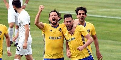 Buca ve Menemen'de golcüler lige damga vurdu