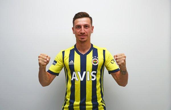 iste fenerbahcenin yeni sezon formalari 1596733384622 - İşte Fenerbahçe'nin yeni sezon formaları!