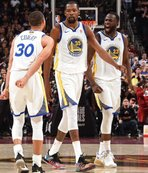 NBAde şampiyon Warriors