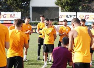 Galatasaray'da Emre Akbaba ilk antrenmanına çıktı!