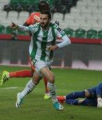 Trabzonspor ve Galatasaray yarışta
