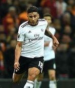 Benfica'ya Salvio'dan kötü haber